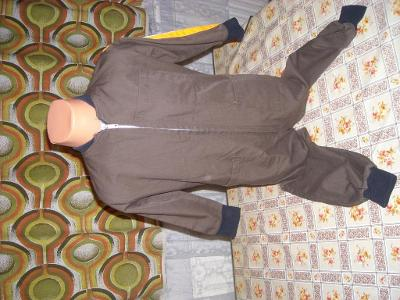 kostým - montér