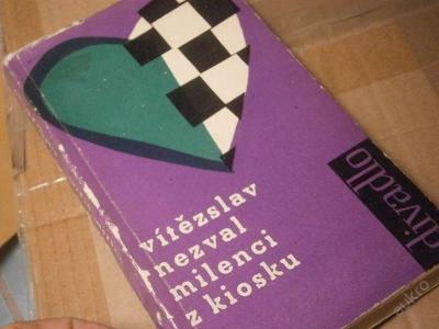 Vítěslav Nezval: Milenci z kiosku / edice Divadlo