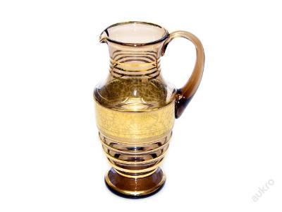 džbán, sklo, hnědý se zlatým dekorem