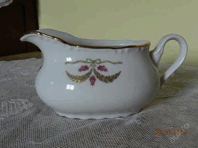 Krásný porcelánový omáčník Constance P