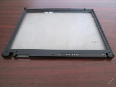 Kryt displeje (prasklý) z IBM T40 2373