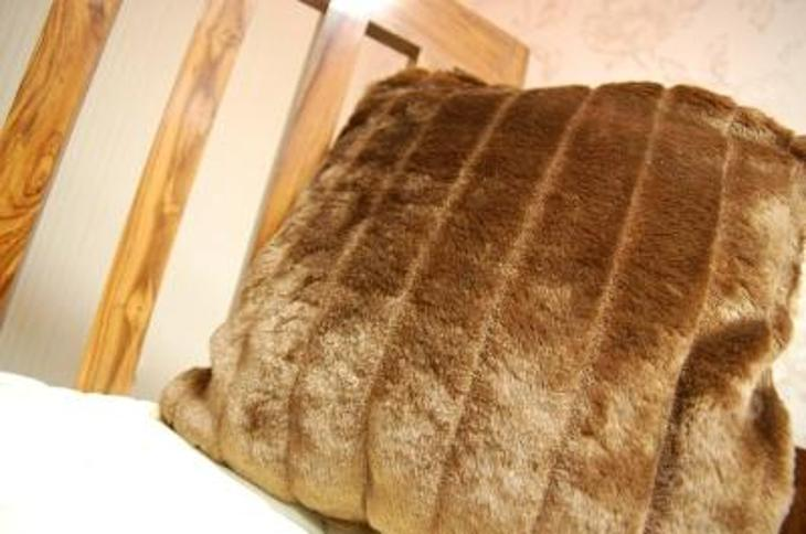 NOVINKA POLŠTÁŘ 40x40 cm MINK hnědý #POD023 - Zařízení
