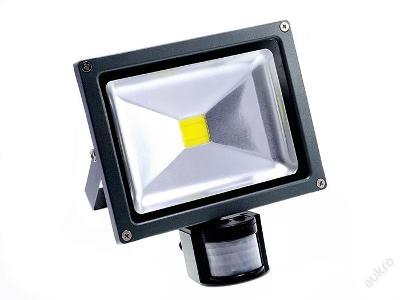 LED Reflektor 10W S ČIDLEM pohybu PIR Akce!