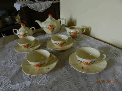 Krásný starý malovaný čajový servis Ditmar Urbach