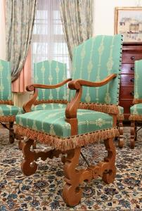 2 Křesla + 4 Židle. Po celkové renovaci
