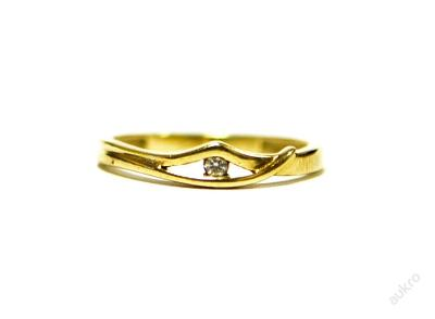 Zlatý dámský prsten se zirkonem  AUBAZAR0063
