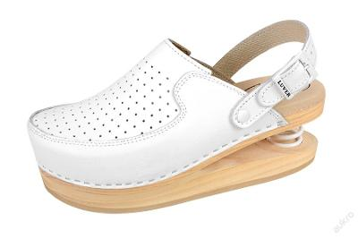 Zdravotní obuv s odpruženou patou a patním páskem
