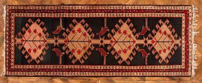 Anatolský běhoun. Ručně vázaný. 281 x 115cm.