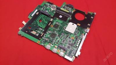 Vadná základní deska z Asus F5Z