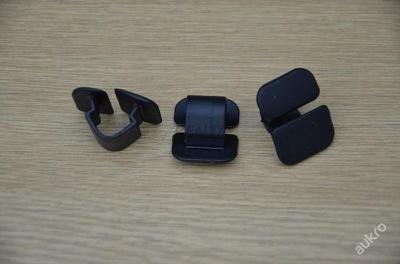 příchytka zvukové izolace 12mm Octavia Fabia origi