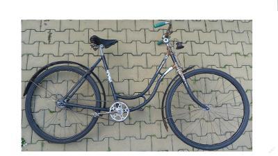 Dámské starožitné pojízdné kolo zřejmě Favorit+nový falcový plášť+duše