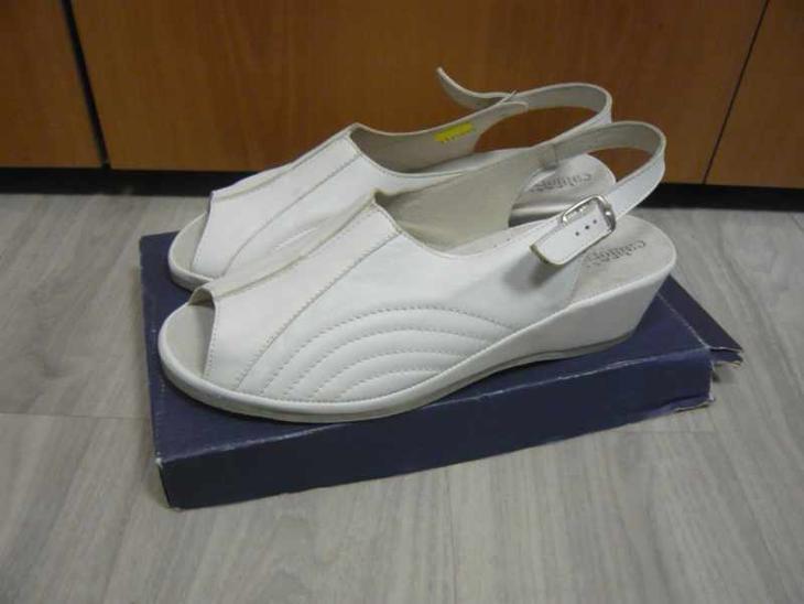 Dámské pantofle sandále boty Celizia bílé 42 - Dámské boty