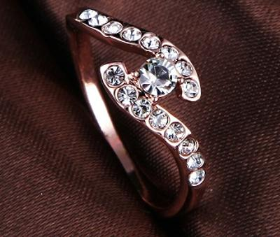 Prsten 18K 3x pozlacený zirkony 19mm *199
