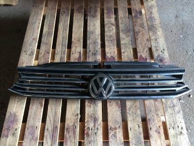 VW Passat B68 2014- přední maska
