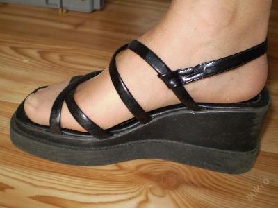 sandalky na platformě