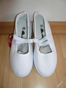 Plátěná obuv bačkory, tenisky, plátěnky 28.