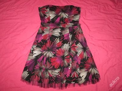 Nádherné módní elegantní šaty vel. 42