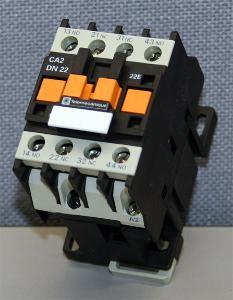 Stykač Telemecanique CA2-DN22 220V 50/60Hz M7