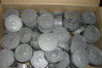 polystyrénové zátky  polystyren šedé 2,2 KČ/1 KS
