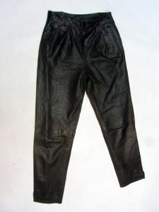 Kožené dámské kalhoty  - obvod pasu: 72 cm -(875