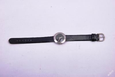 Dámské hodinky na ruku :) (art. č. 108)