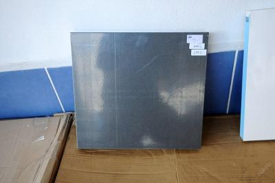 1 x police, deska JITONA, dřevolaminát (6552)