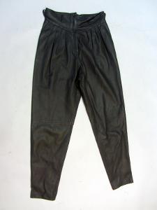Kožené dámské šedé kalhoty - obvod pasu: 70 cm