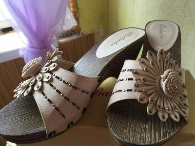 Dámské boty -pantofle