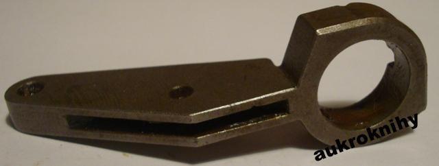 vzduchovka vz. 47 - 6066 páka napínací