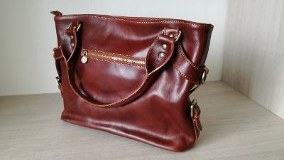 ILENIA - Dámská kožená taška přes rameno