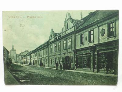 Velvary, okr. Kladno - Pražská ulice - znak orlice
