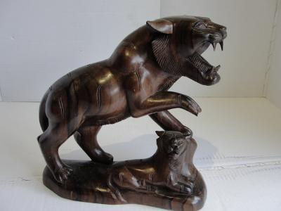 Čínský tygr - socha,  teakové dřevo