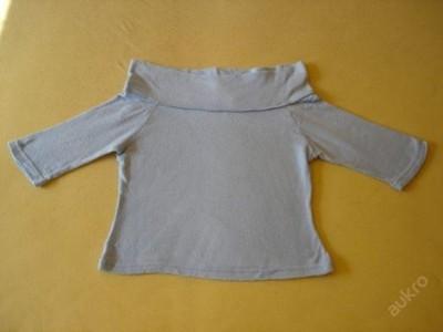 Bleděmodrý svetřík s polodlouhým rukávem vel. M