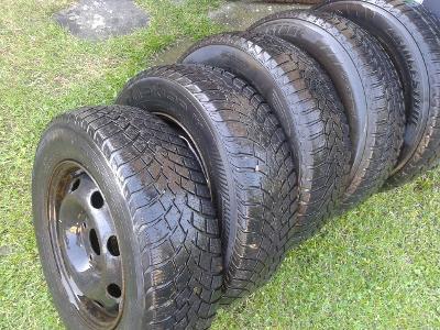 5ks zim.4ksl pneu 175 /70x13 na plech.lak. discích