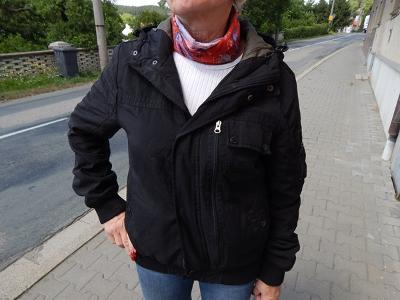 Sportovní černá bunda SMOG vel.M