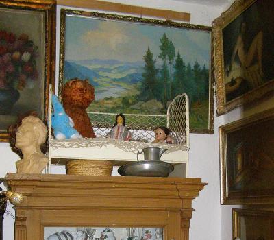Starožitná kovová postýlka pro panenku, nebo medvěda