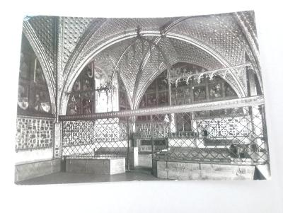 * hrad KARLŠTEJN - Kaple sv. Kříže ve Velké věži - okr. Beroun