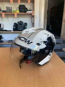 Moto helma O'SHOW