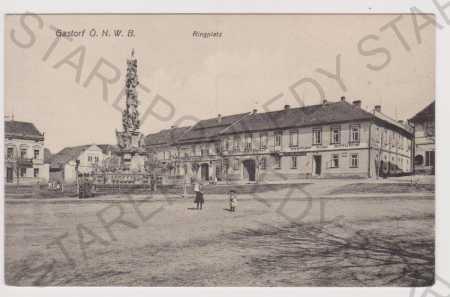 Hoštka (Gastorf) - náměstí, hostinec, sloup
