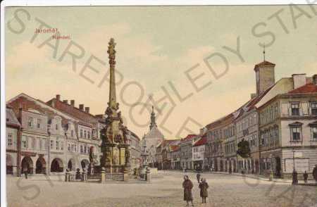 Jaroměř (Hradec Králové), záběr na náměstí s Mariá