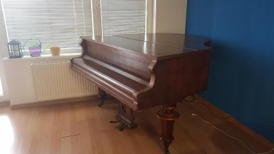 Daruji klavír/piano z roku 1884
