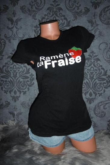 příjemné dámsképrodloužené černé tričko triko s potiskem XS/S - Dámské oblečení