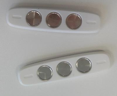 2 ks Lepících držáků kabelů na magnetické uchycení - D001
