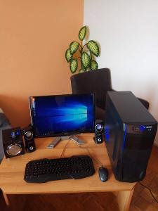 PC SESTAVA 4 jádro AMD monitor, klávesnice,myš a PC Set reproduktorů