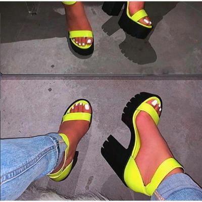 Letní páskové neon žluté boty na podpatku vel. 41 - 3887.