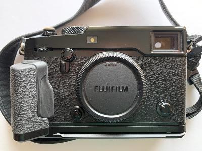 Fujifilm X-Pro2 - tělo a grip MHG-XPRO2