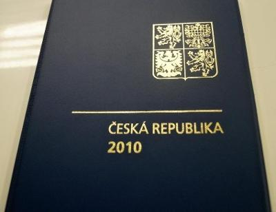 ROČNÍKOVÉ ALBUM 2010 - ČERNOTISK PTR 18, BEZ ZNÁMEK (T9865)