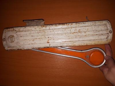 Stará směrovka PAL asi TATRA 111