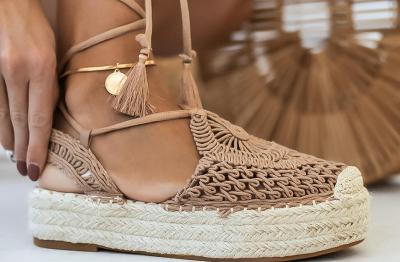 Dámské sandálky Chuanas barva camel vel.39