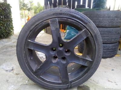 Letní pneu 225/40 + disky (Odběr pouze KLATOVY)
